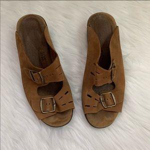 SAS Buckle Leather Tripad Comfort Buckle Sandals